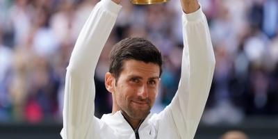 Djokovic se une a Nadal como primeros clasificados para las Finales ATP