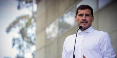 Iker Casillas cuelga las botas y pasa a los despachos