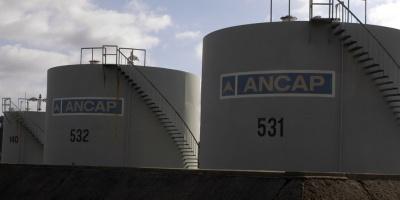 Ancap trabaja en boya petrolera