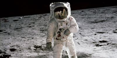 La transmisión de la llegada del hombre a la Luna, también un hito