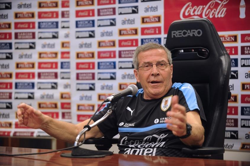 ¿En qué posición quedó Perú tras su triunfo ante Ecuador?