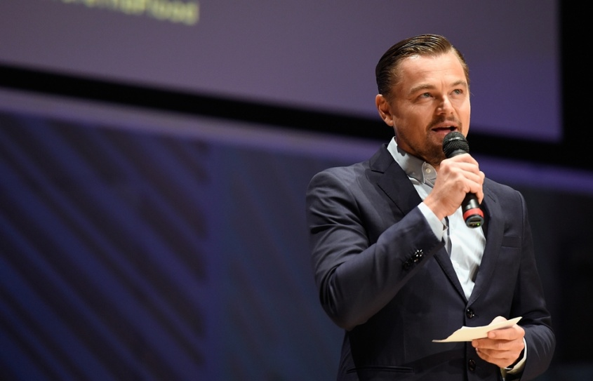 Acusan a Leo DiCaprio de corrupción, él propone regresar el dinero