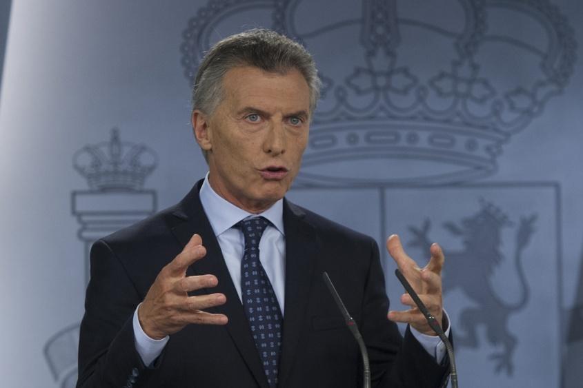 Resultado de imagem para macri argentina aerolineas