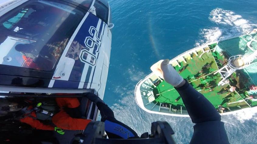 Fuerza Aérea rescató a un tripulante de un barco pesquero uruguayo — URUGUAY