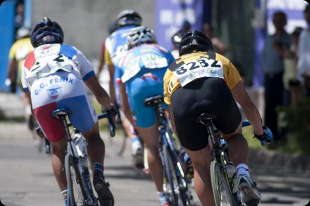 Lucero ganó la etapa y Lazaret sigue primero en la General