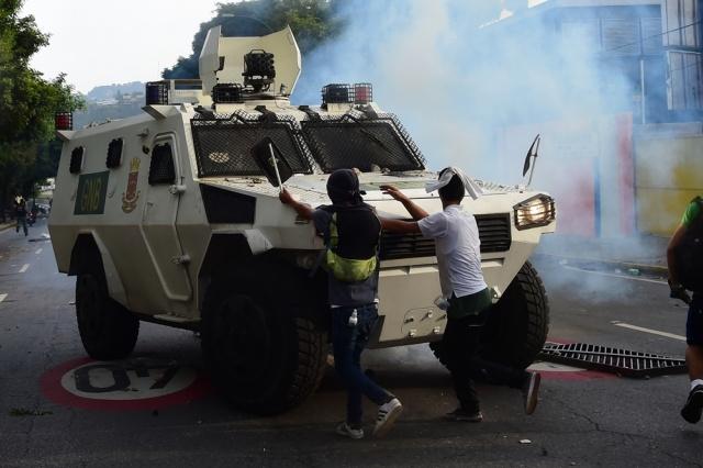 Maduro a Borges: Eres el jefe del golpe de Estado, no…