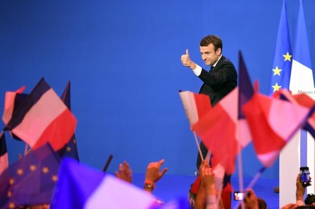 Así fueron las primeras horas de Macron al frente de Francia