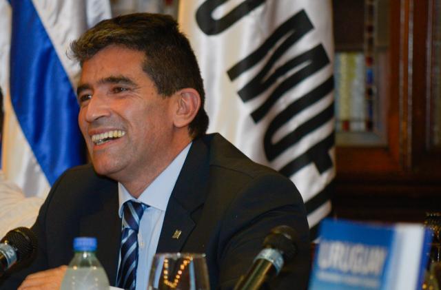 Vicepresidente uruguayo dice gastos con tarjeta de Ancap fueron por trabajo