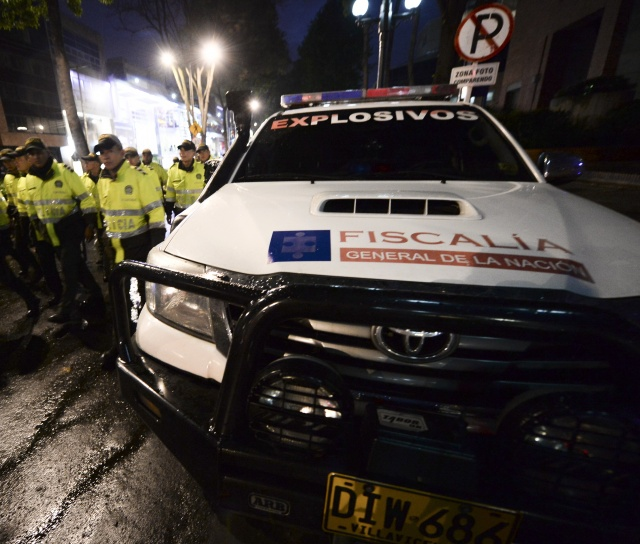 Al menos una mujer muerta tras explosión en centro comercial de Bogotá
