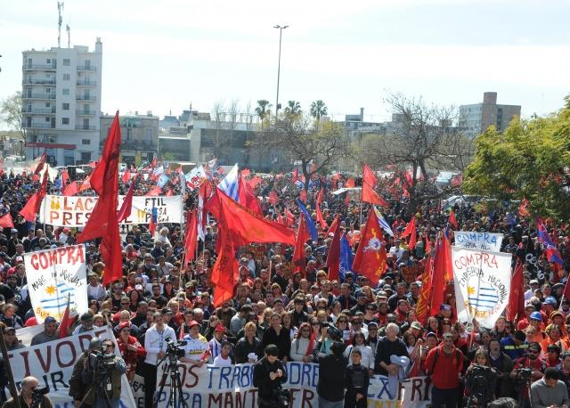Trabajadores uruguayos realizan hoy paro general parcial