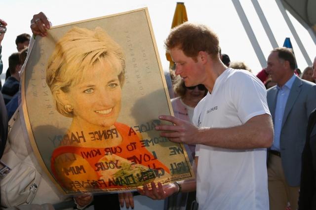 Familia real británica muestran desinterés por acceder al trono