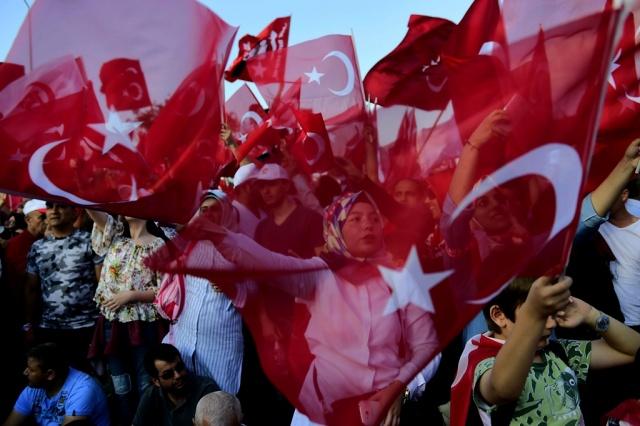 Critican en Alemania detenciones de activistas de DDHH en Turquía