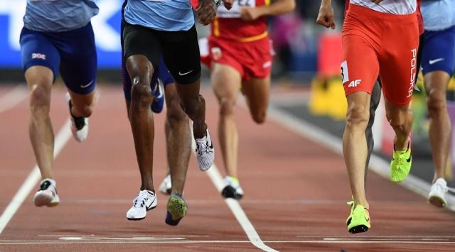 Geoffrey Kirui gana maratón en Mundial de Londres