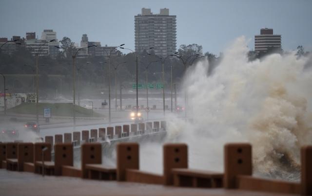 Ciclón llegará a la costa de Uruguay el próximo lunes
