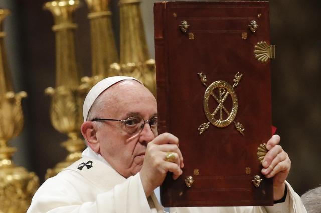 Papa Francisco pidió defender y proteger a migrantes y refugiados