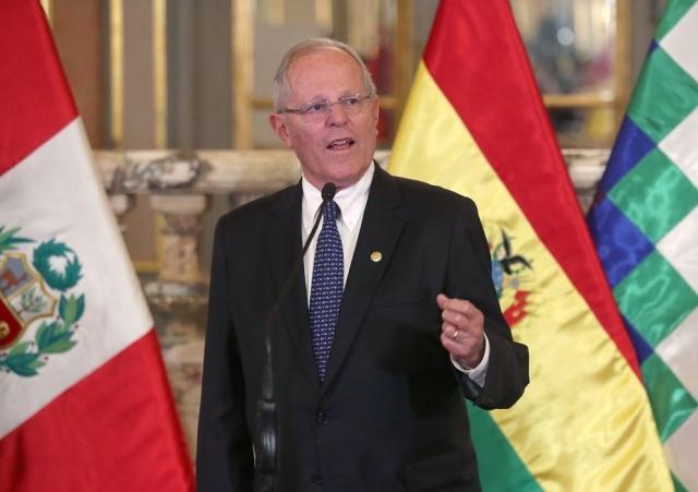 Presidente Kuczynski ordena evaluar alza del salario mínimo vital del Perú