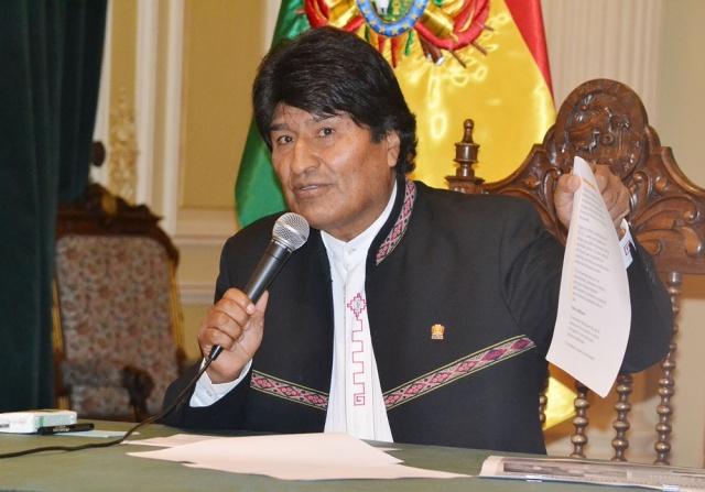 Morales parará en España camino a La Haya