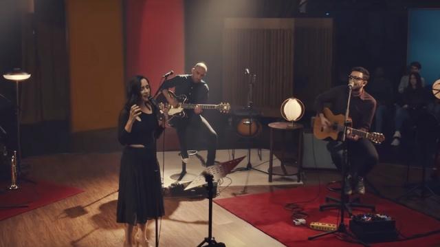 Nuevo video de No Te Va Gustar con Julieta Venegas