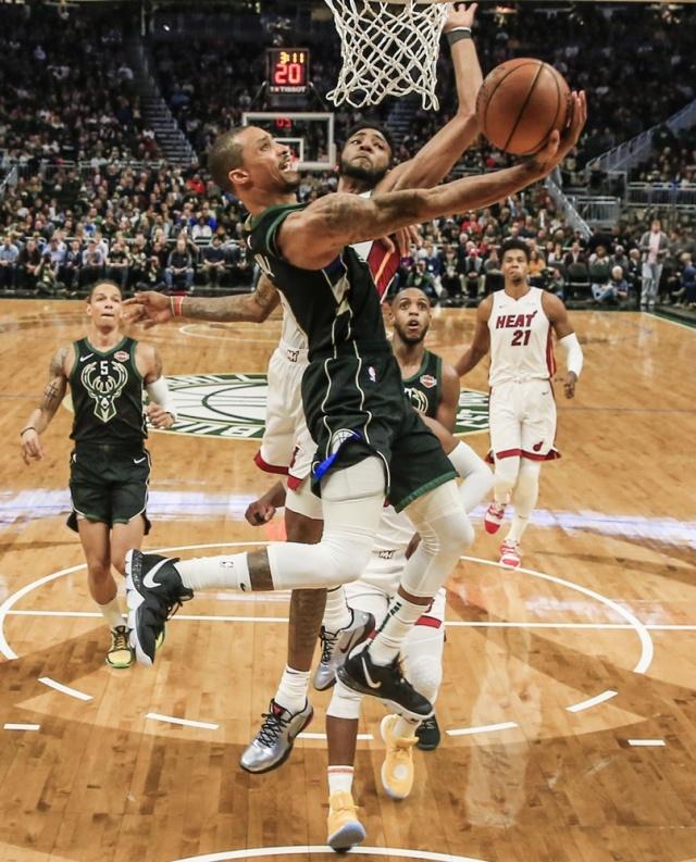 Anota Harden 61 puntos en triunfo de Rockets