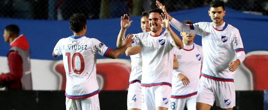 Nacional gana y continua líder del Clausura