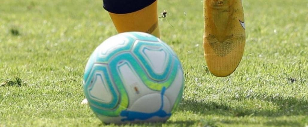 Peñarol busca seguir la senda del triunfo y Nacional va por la recuperación