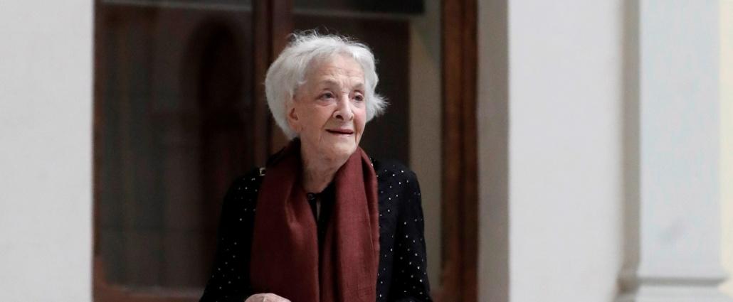 La poetisa uruguaya Ida Vitale recibe el Premio Cervantes este martes, en una semana de homenajes
