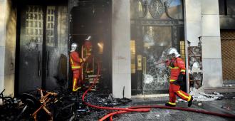 Violencia de las protestas fuerza al Gobierno francés a revisar su estrategia