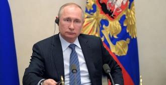 Putin y Trump buscan vías de cooperación contra el coronavirus