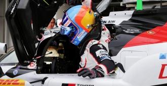 Fernando Alonso logra una doble victoria, virtual, en Indianápolis