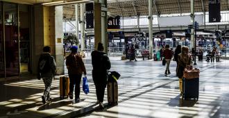 Francia ha impuesto 141 multas a viajeros que no respetaron el confinamiento