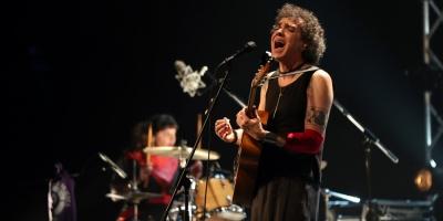 """Moska pide unión ante """"fascismo"""" al ritmo de rock"""