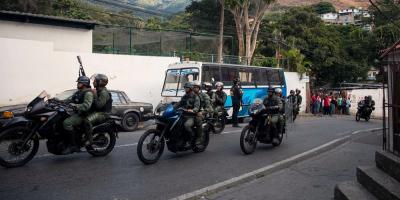 """Fuerza Armada venezolana dice que grupo insurrecto fue """"rendido y capturado"""""""