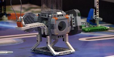 Más de 700 estudiantes participan en Primer Mundial de Robótica de Lego
