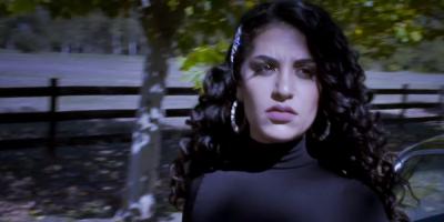 """La cantante Julieta Rada presentó su nuevo single """"Sencillo"""""""