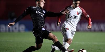 Colón logró el pasaporte a cuartos de la Sudamericana