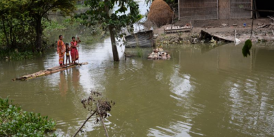 Más de 300 muertos por las lluvias de los monzones en Nepal y Bangladesh