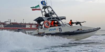 """La Armada iraní vigila """"todos los barcos enemigos"""" en el golfo Pérsico"""