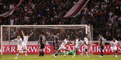 Liga da el primer zarpazo ante Olimpia por el billete a cuartos de final