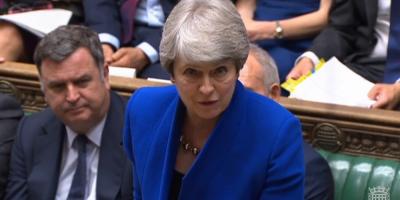 May dice que continuará como diputada tras su retirada