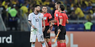 Un partido de sanción y multa para Messi por expulsión ante Chile