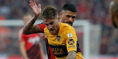 Boca Juniors derrota al Paranaense en Brasil y toma ventaja
