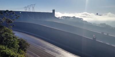 Paraguay defiende vínculos con Brasil tras acusaciones de entrega de energía