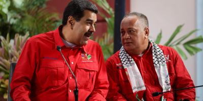 """Maduro afirmó que """"son unos estúpidos"""" los que lo llaman dictador"""