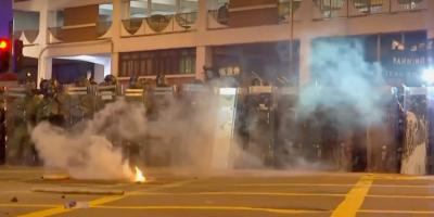 Una nueva manifestación prohibida en Hong Kong deja 49 detenidos y 16 heridos