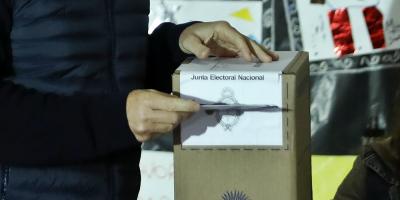 Polémica por empresa que hará escrutinio en recta final de campaña argentina
