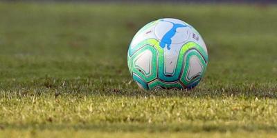 Empataron Defensor - Peñarol 2 a 2 en el cierre de la cuarta fecha del Intermedio
