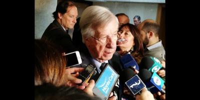 """""""Acá no se va a dar una volatilidad del dólar como se vivió en Argentina"""" dijo el Ministro Danilo Astori"""