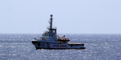 El Open Arms se declara en situación de necesidad y no garantiza seguridad