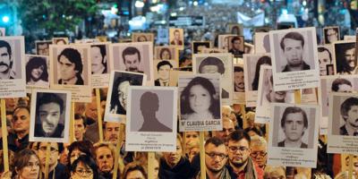 """""""Familiares"""" condena el atentado contra las Placas de la Memoria: """"es un atentado contra la democracia"""""""