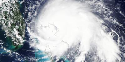Huracán categoría 5 Dorian azota y descarga su furia sobre las Bahamas
